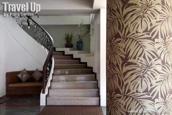 momarco resort tanay rizal hotel stairs