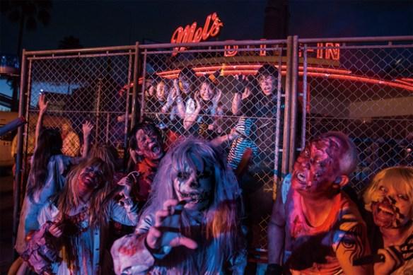 universal-studios-japan-street-zombies