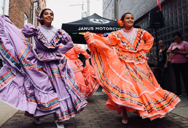 mexican chicago neighborhood