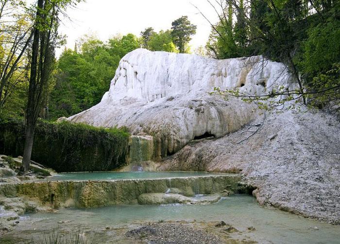 Bagni San Filippo Castiglione dOrcia  Travel guide for Tuscany