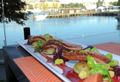 Inn at laurel point, victoria accommodations, Aura restaurant