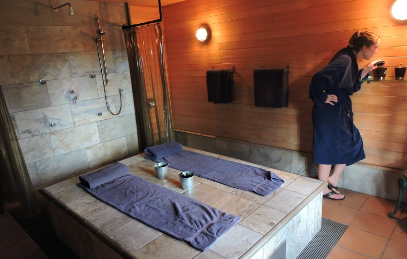 Galiano Inn, Galiano Spa, Galiano Resort, Madrona Del Mar Spa, Galiano Inn and spa amenities, Galiano Inn and Spa, Galiano Suites, Galiano Images, Galiano Inn reviews, Galiano Inn spa treatments