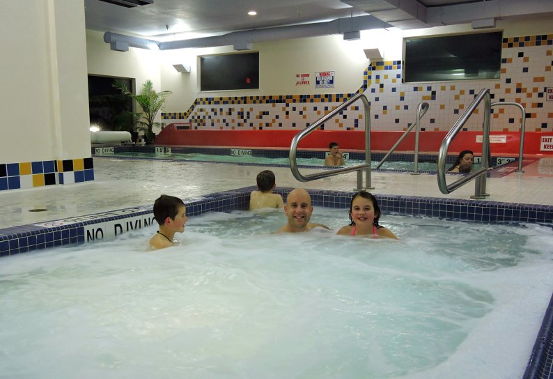 Holiday Inn Courtenay, Holiday Inn comox Valley pictures
