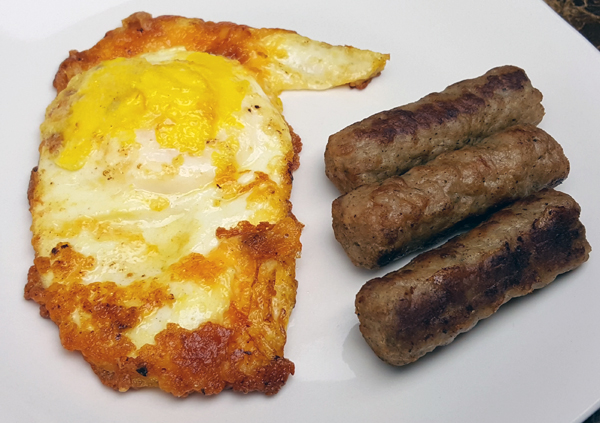 Low Carb Breakfast - Cheese Fried Egg and Sausage Links