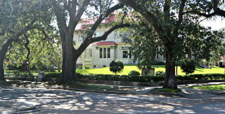 Don't miss looking at the beautiful homes in the Garden District. There's a lot of New Orleans Beyond Bourbon Street