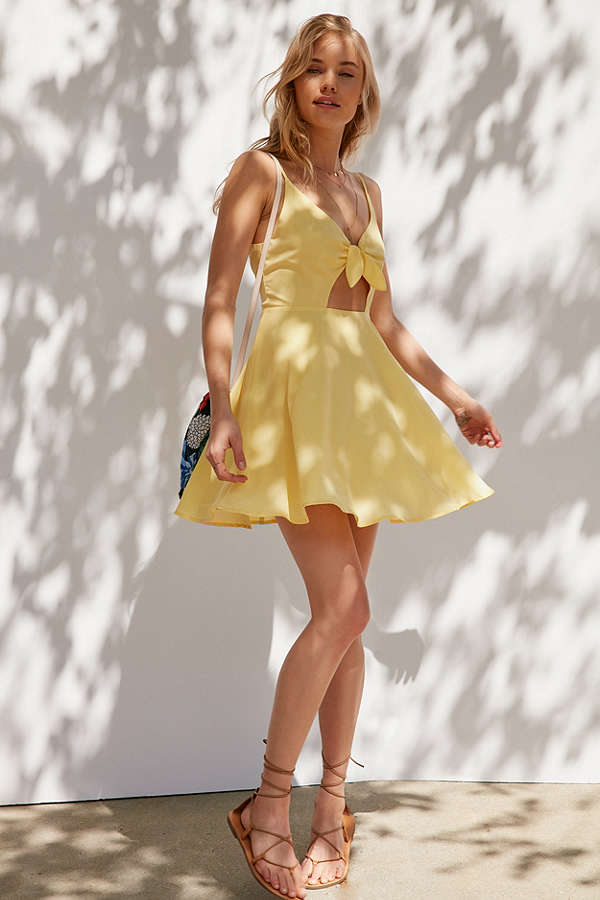 Tie Front Dress | Photogenic Dress to Travel With This Summer | Summer Wardrobe | Summer Must-Haves
