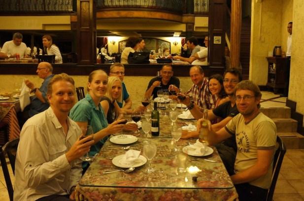 Abendessen beim Italiener mit anderen Motorradreisenden in Panama-City