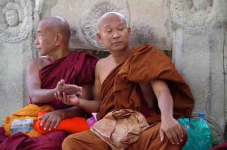 bodhgaya-monks-2