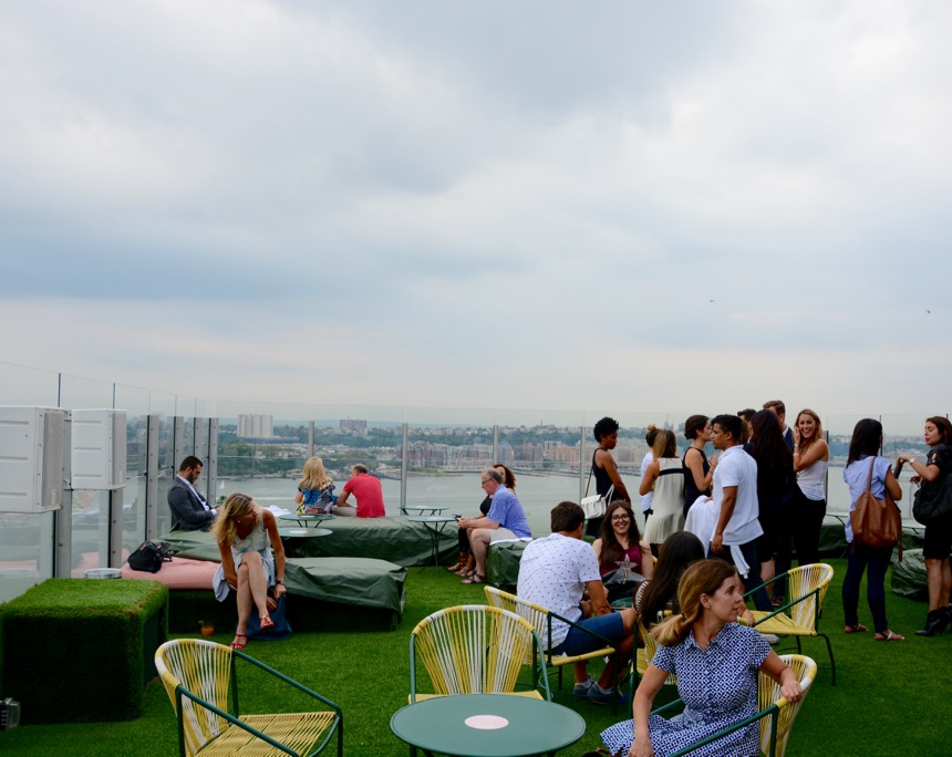 Rooftop Bars in New York the-standard-highline-3