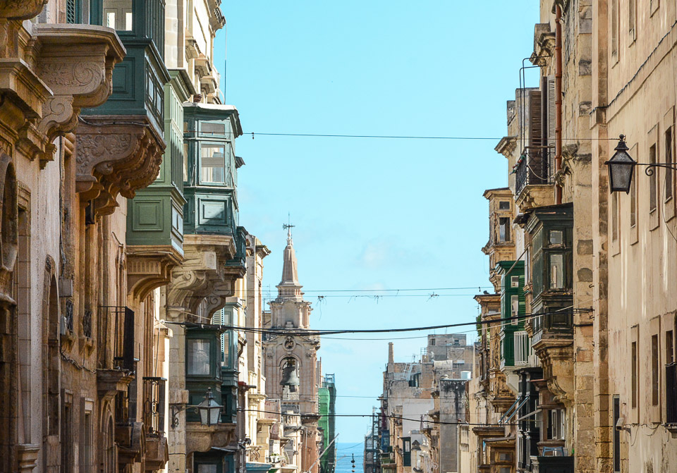 Traveling the World Malta Valletta Houses Balconies