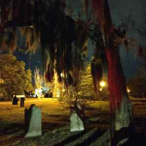Savannah, ghost tour, cemetery