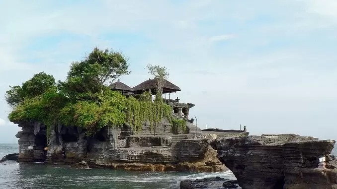 Tanah Lot Temple - Indonesia Travel Guide-Places To Visit In Indonesia