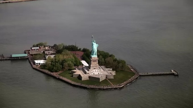 Statue Of Liberty New York 678x381 - A Guide To NYC-All About New York Attractions