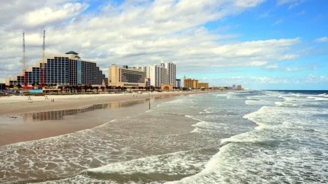 Daytona Beach Florida Beach Ocean e1546201988944 678x381 - Daytona Beach, Florida