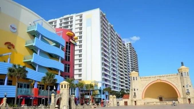 Daytona Beach Florida Resort Vacation Tourism e1546202133491 678x381 - Daytona Beach, Florida