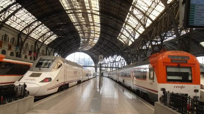 Barcelona By Rail 678x381 - Barcelona Travel Guide: Holidays In Barcelona