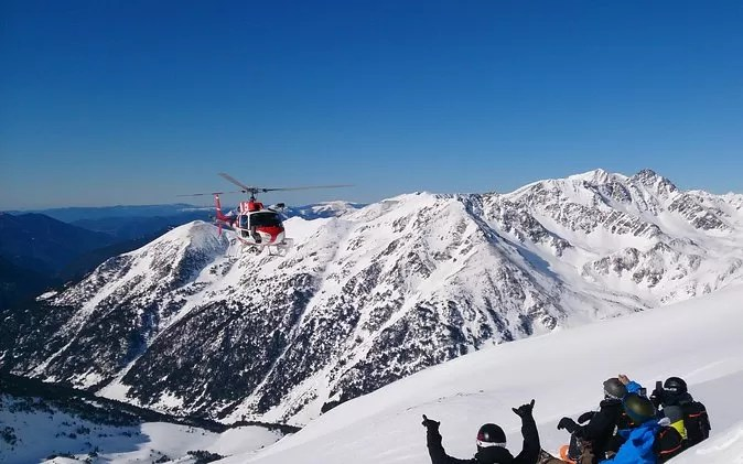 Best Places For Adventure Travel Heli skiing in Canada - Adventure Holidays - Best Places For Adventure Travel