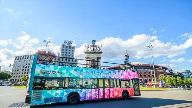 City Sightseeing Barcelona Hop On Hop Off Tour 674x381 - Barcelona Travel Guide: Holidays In Barcelona