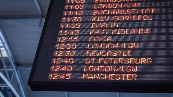 Busy International Airports 678x381 - 5 Amazingly Helpful Tips for International Travel
