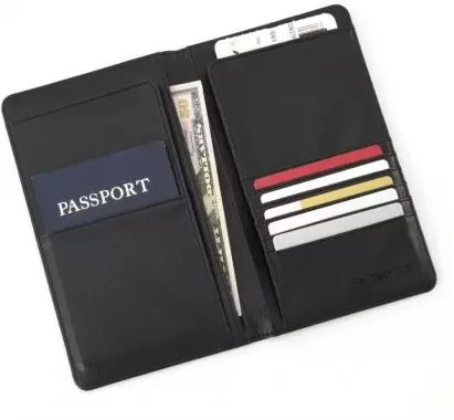 Travel Wallet Best Travel Gifts for Your Traveler Friends e1553621189379 - 11 Best Travel Gifts for Your Traveler Friends