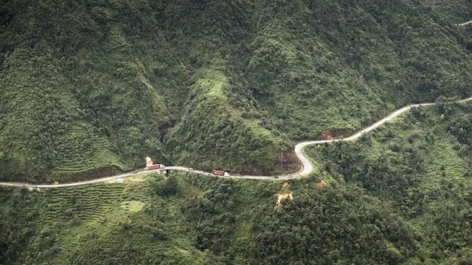 O Quy Ho mountain pass 678x381 - A Four Day Trip in Vietnam Sapa