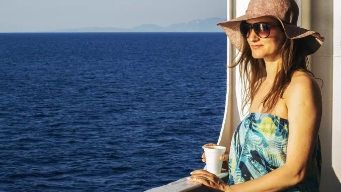 Travel Tips for Women And Moms Traveling Abroad 2 678x381 - Travel Tips For Women & Moms