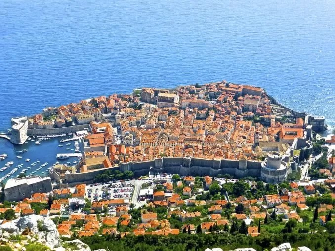 Dubrovnik Town Croatia e1562818014300 - Hitchhiking to Dubrovnik, City in Croatia
