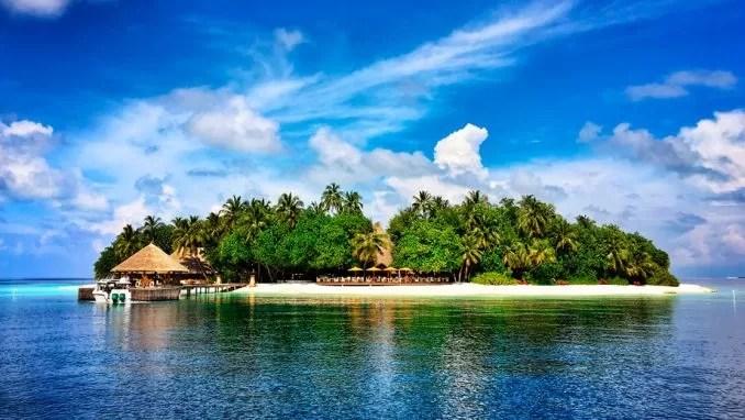 Angsana Resort Spa Maldives Ihuru e1570236086990 - Top Maldives Holiday Resorts