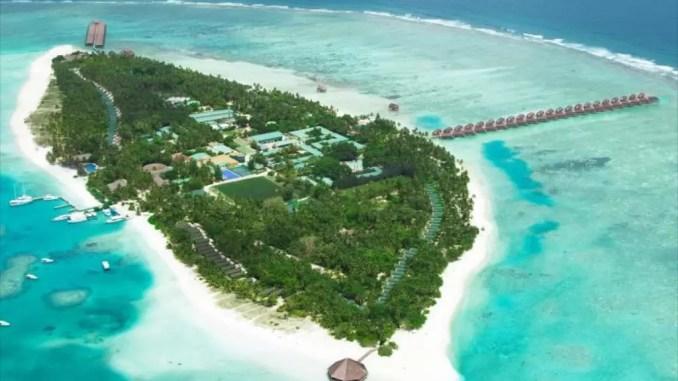 Cocoa Island Maldives 678x381 - Top Maldives Holiday Resorts