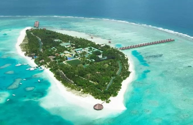 Meeru Island Resort Maldives e1570868035579 - 20 Best Maldives Resorts For Families And Couples