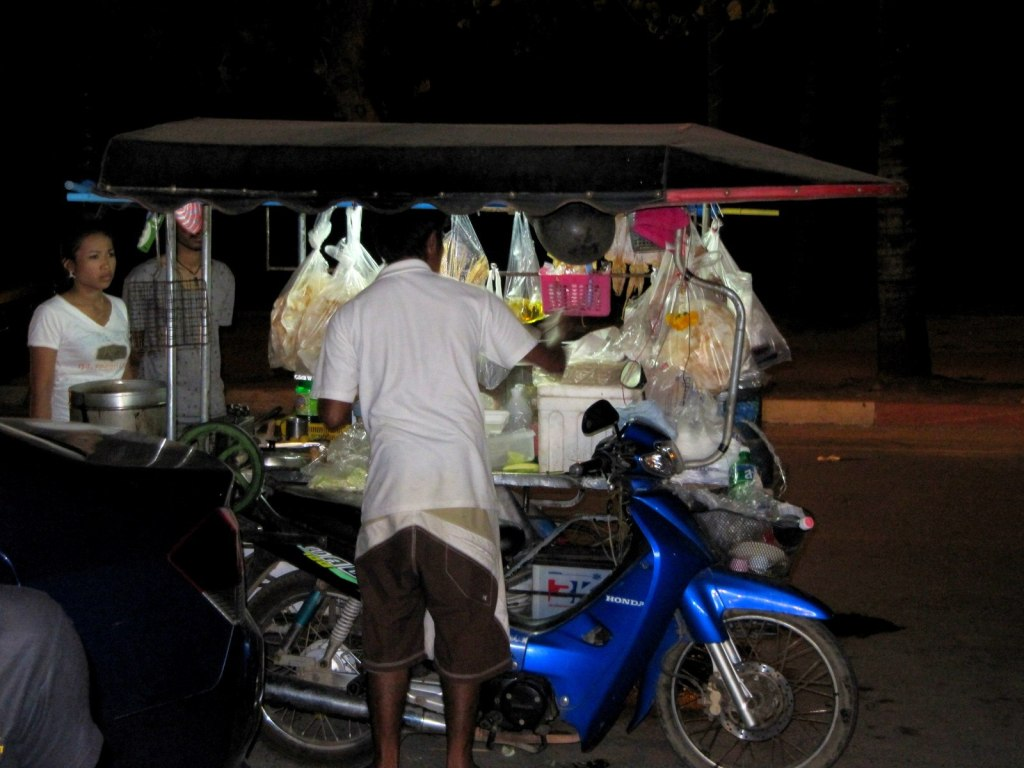Some mobile stall at the roadside. Simple cheap, nice and delicious!