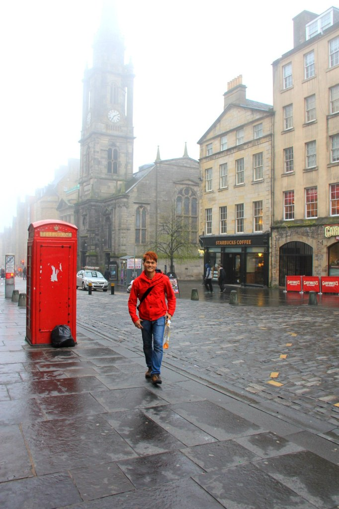Exploring Edinburgh Scotland by foot