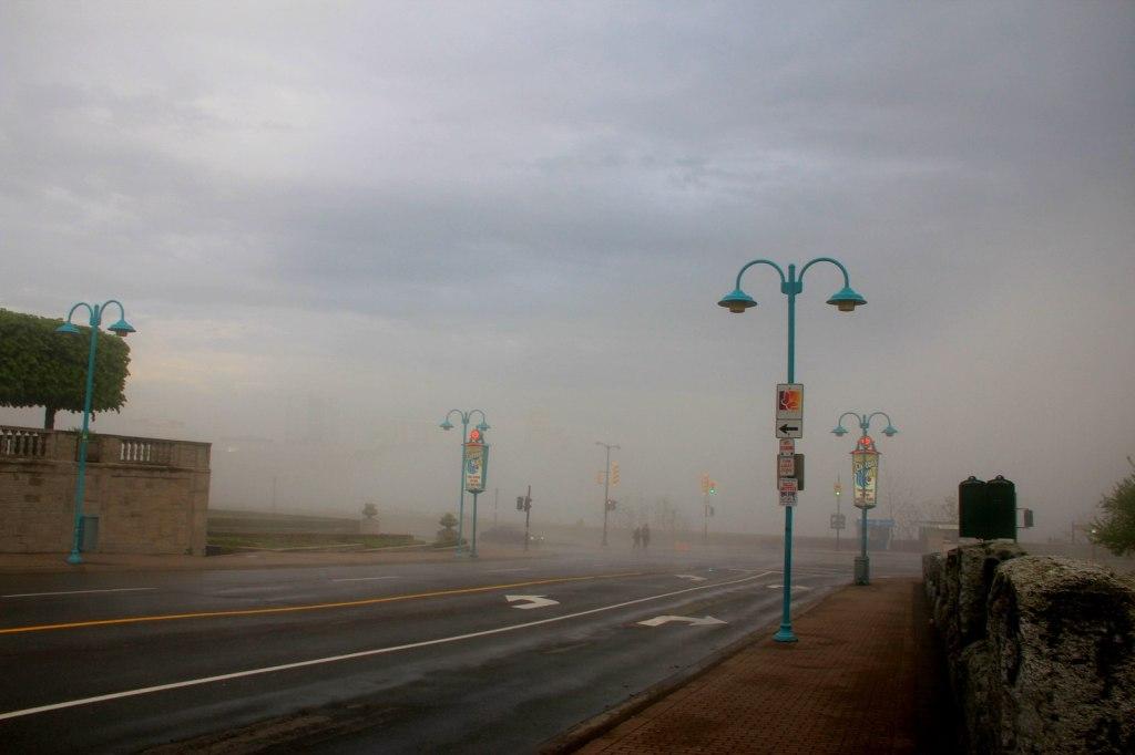 Strange mist hit Niagara Falls