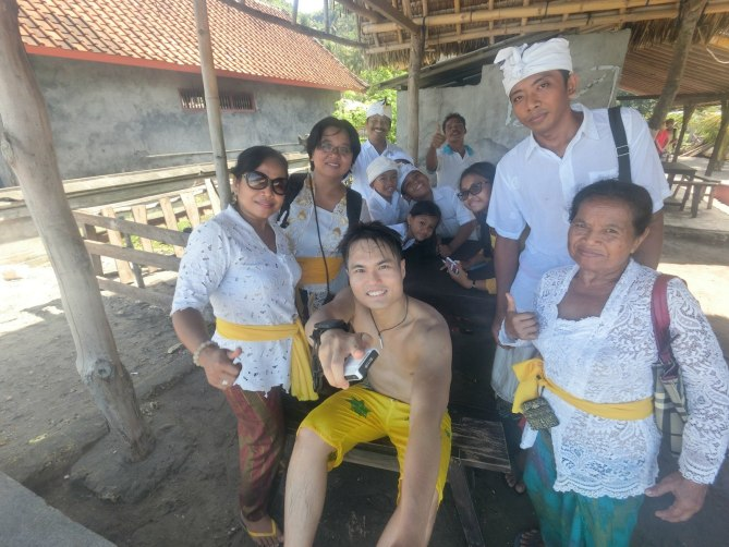 Loved the cultural interactions with the locals. Somehow, I felt I was inappropriately dressed! haha