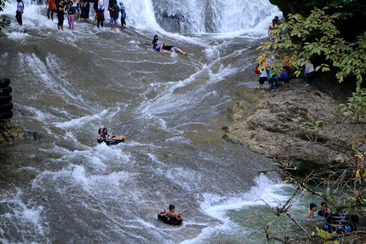 Tubing Bantimurung Waterfall