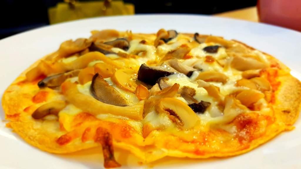 Vegetarian Mushroom Pizza