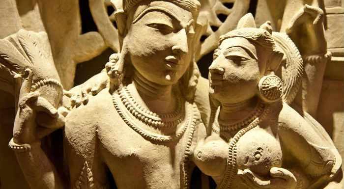 कामसूत्र और खजुराहो मंदिर का रहस्य, यहां मंदिर में वर्णित है पुरातन कामसूत्र!