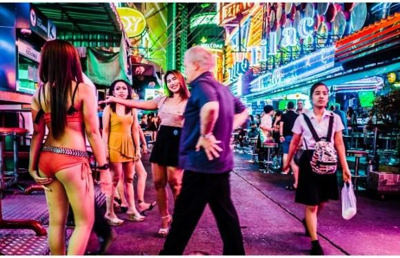 Bangkok Travel Guide: यहां की जान हैं Night Life, पूरी जानकारी