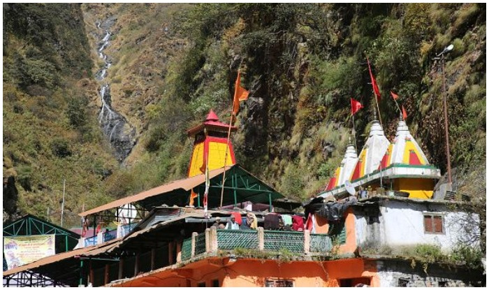 Yamunotri travel, Yamunotri Mandir, Saptarishi Kund, Surya Kund, Divya Shila, Hanuman Chatti, Kharsali, Badkot, How to Reach Yamunotri