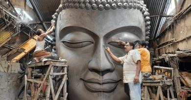 Buddha Statue - Mintu Paul making Tallest Buddha Statue in India