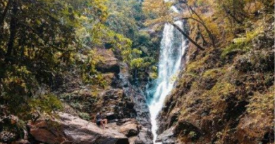 Netravalli Waterfall of Goa, this waterfall is the first choice of tourists in summer