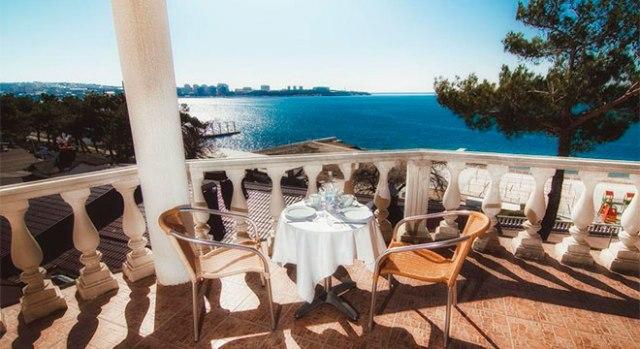 Отели в Геленджике на берегу моря - Отель Александрия