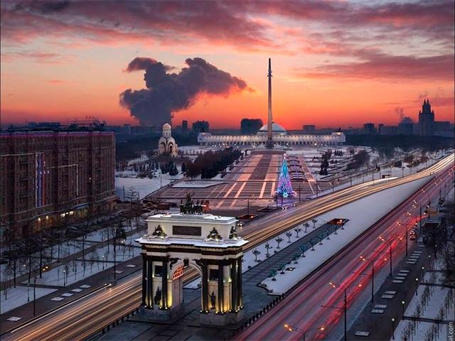 Выставка, арка и монумент Победы на Поклонной горе