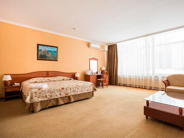 Артурс Village & SPA Hotel ★★★★