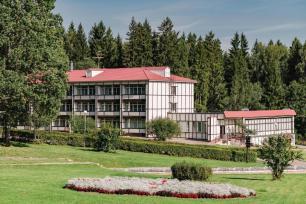 Лесной Парк Отель 3*