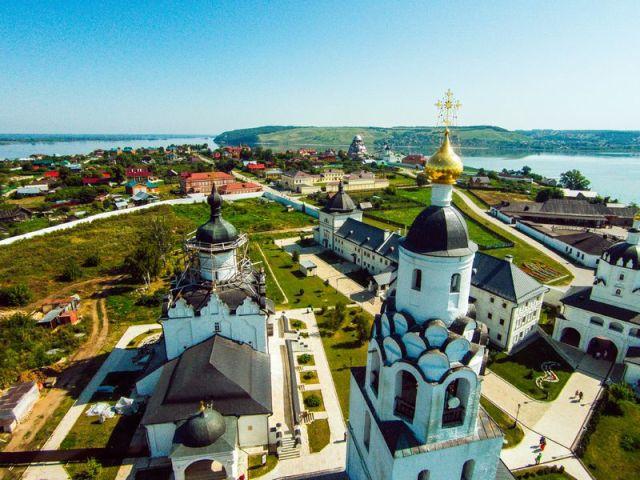 Экскурсия: Заповедный Свияжск, Раифский монастырь и прогулка на теплоходе