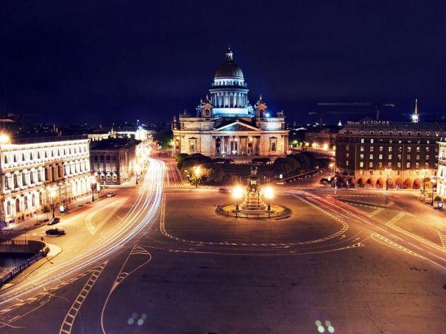 Экскурсия: На автобусе и теплоходе по ночному Петербургу
