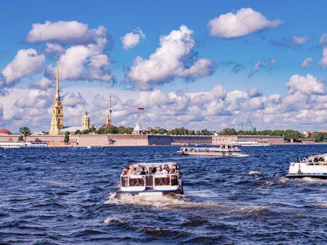Экскурсия: Водная прогулка «Полуденный выстрел пушки в Петропавловской крепости»