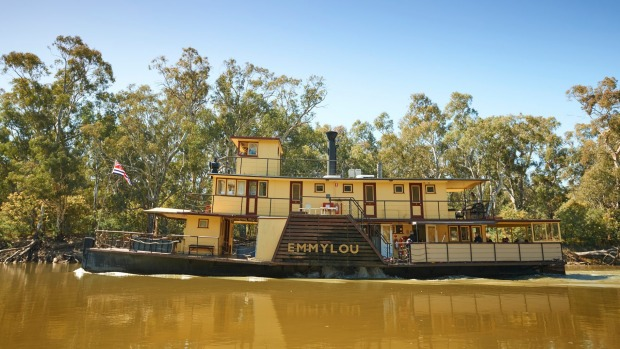 The queen of the Murry: PS Emmylou paddle steamer.