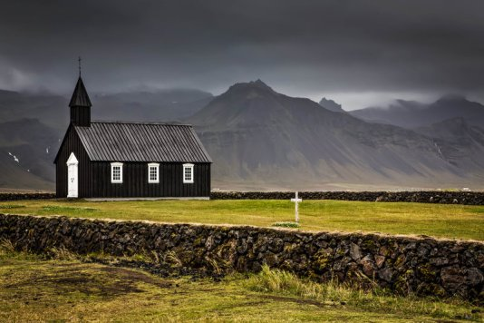 black_church___budir__iceland_by_cwaddell-d5yumnh